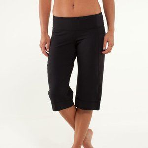 Lululemon Clam Digger II Pants
